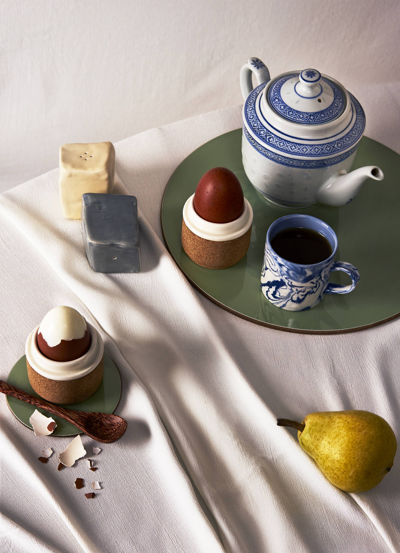 craft of use, art of craftmanship, home decor, still life editorial, Melissa Dora, Nom Living, , Maik London, Silo Studio, Aerende, Lusophile, Oxfam, Kay Minchington Keramik, Charlie Goodge, Luxiders Magazine, Alice Wilby, nachhaltige Haushaltswaren, Handwerk