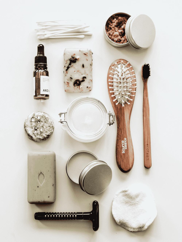 zero-waste bathroom, zero-waste, zero waste bathroom, sustainable hygiene products, no-plastic toothbrush, Bamboo Toothbrush, All-Natural Deodorant, Menstrual Cup, period underwear, sustainable personal hygiene, reduce waste, homemade toothpaste, DIY toothpaste, iquitplastic, natural bathroom products, waste-free, no waste, all natural, stopsingleuse, Zero-Waste-Bad, Null-Abfall-Bad, baño sin desperdicios, sin desperdicio,