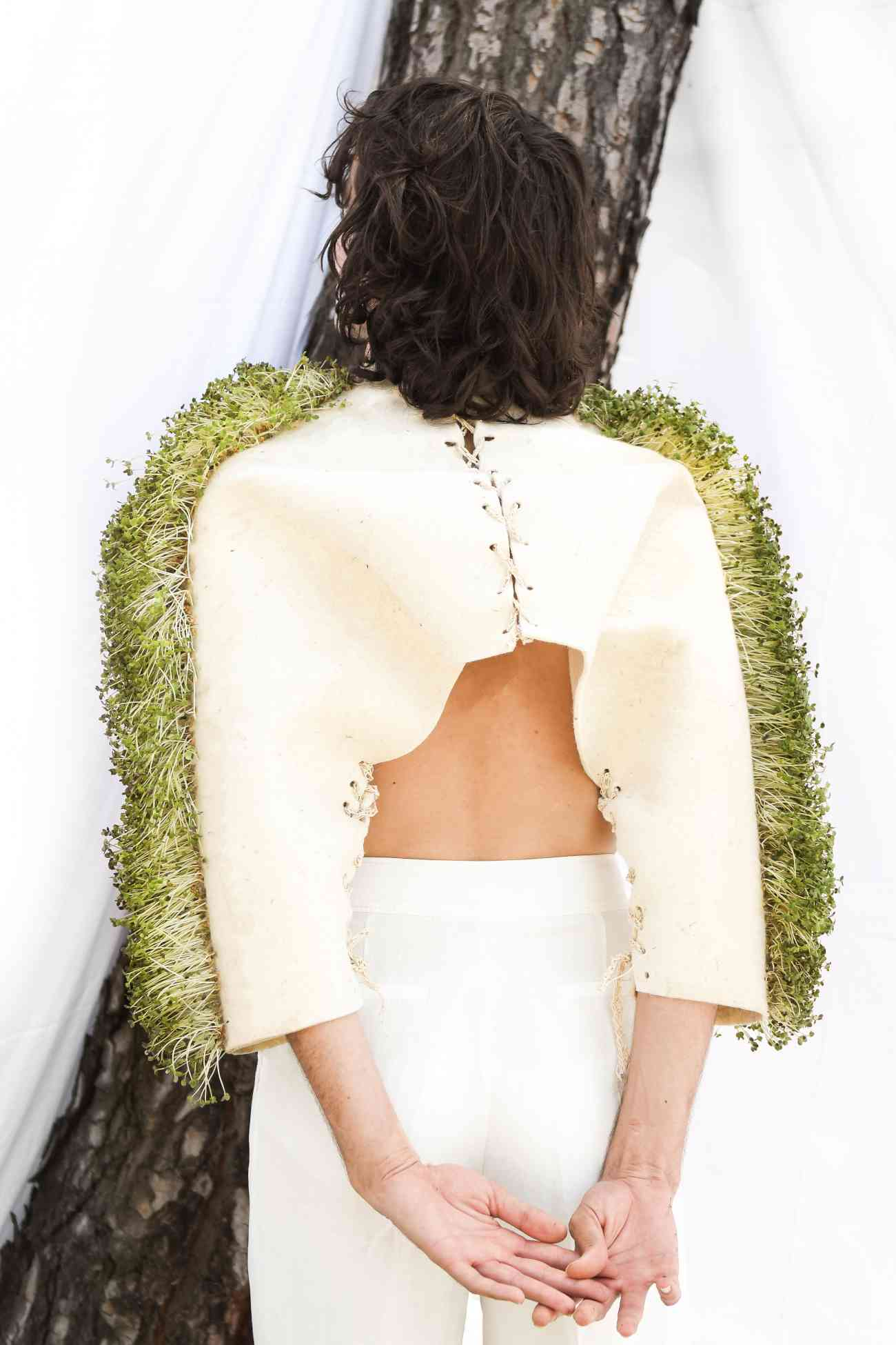 biotechnology, fabrics, fashion design, Fashion studies, ied, IED Madrid, interview designer, microbiology, nature, organic design, organic fibres, organic project, Paula Ulargui, Pieles siamesas. Dos naturalezas. Un cuerpo, plants, seeds, sustainable design, sustainable fashion