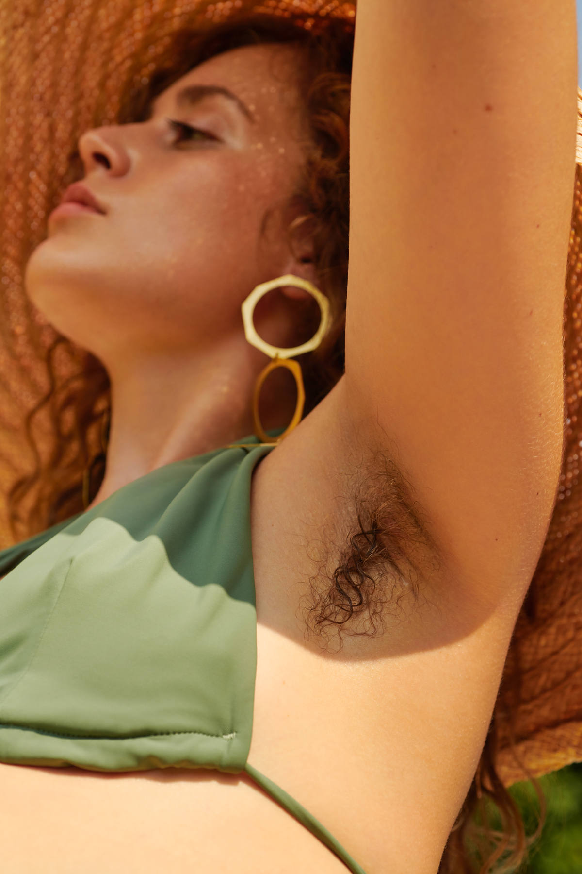 armpit hair, beauty, beauty editorial, millennials, women, girls, fashion, in fashion, fashion trends, beauty trends, luxiders magazine, luxiders, sustainable culture, armed angels, Christina Hasenauer, Joanna Bacas, Anna Dömling, Christianna Quack, bikini, trikini, swimsuits, Margaret and Hermione, Tencel, fremdformat, Steinrohner, Essentials for Zula, Spatz Hutdesign Passau, Anekdot Boutique, JAN 'N JUNE, FJNE