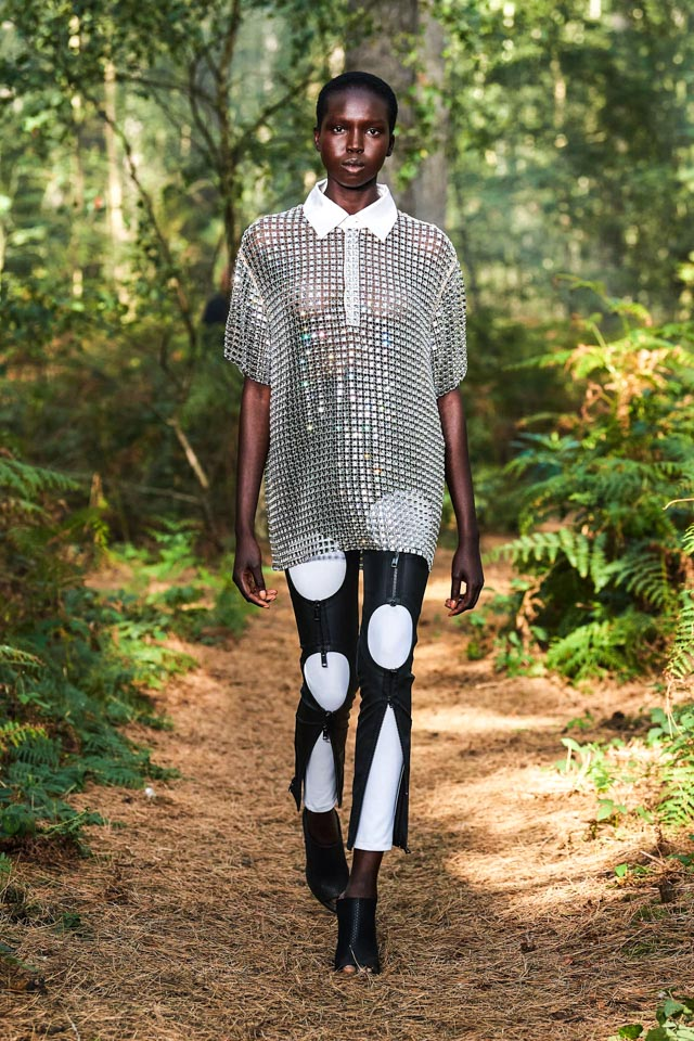 Sheer looks, Spring summer 2021, SS21, SS21 Trends, Spring summer Trends, Trends of the season, Sustainable trends, sustainable fashion, luxiders, Alberta Ferreti, Dolce & Gabbana, Bora Aksu, Balenciaga, Acne, Burberry, Balmain, Valentino, Dior, Tom Ford, Colourful Prints, Preen, Shine Bright, Maxi Dresses, Details here and there, Pastels, Layer-up, Accessories, Mesh, Sheer-look, Sheer, See-through, Colourful prints, Dresses, Upcycling