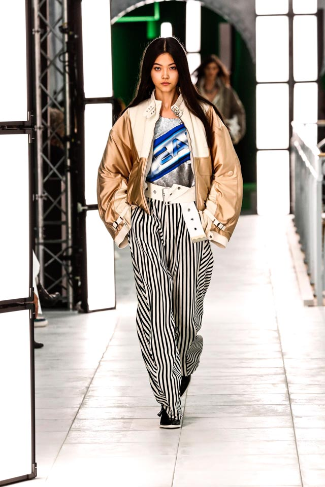 baggy trousers, SS21, Spring Summer 2021, Trends, Spring Summer 2021 Trends, SS21 Trends, Chanel, Balenciaga, Preen, Stella McCartney, Fendi, Hermes, Kenzo, Adeam, Denim, Suits, Suit up, Monochrome, Thick Belts, Baggy Trousers: go big or go home, Luxiders, Sustainable Fashion, Upcycling, Sheer looks, Colourful prints, As Seen in Dresses, Trends of the season