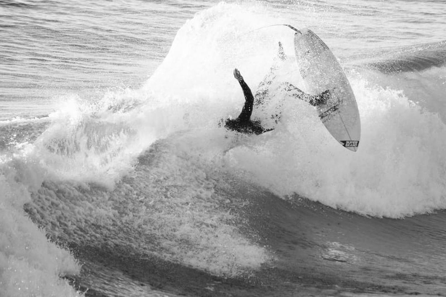 surfing, biocentrism, nature, anthropocentric, eco-friendly, mindset, nature care, protection, superiority, human-centred, flow state, meditation, self-growth, surf industry, capitalism, spirituality, luxiders magazine, surf sport